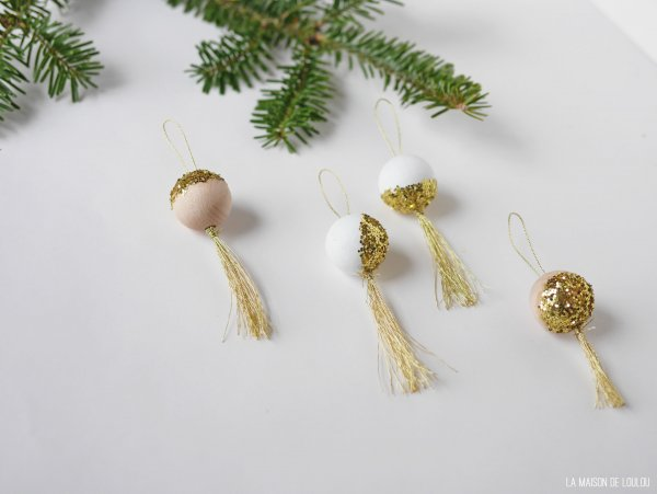 DIY wooden glitter ornaments by La maison de Loulou***