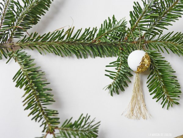 DIY wooden glitter ornaments by La maison de Loulou*****
