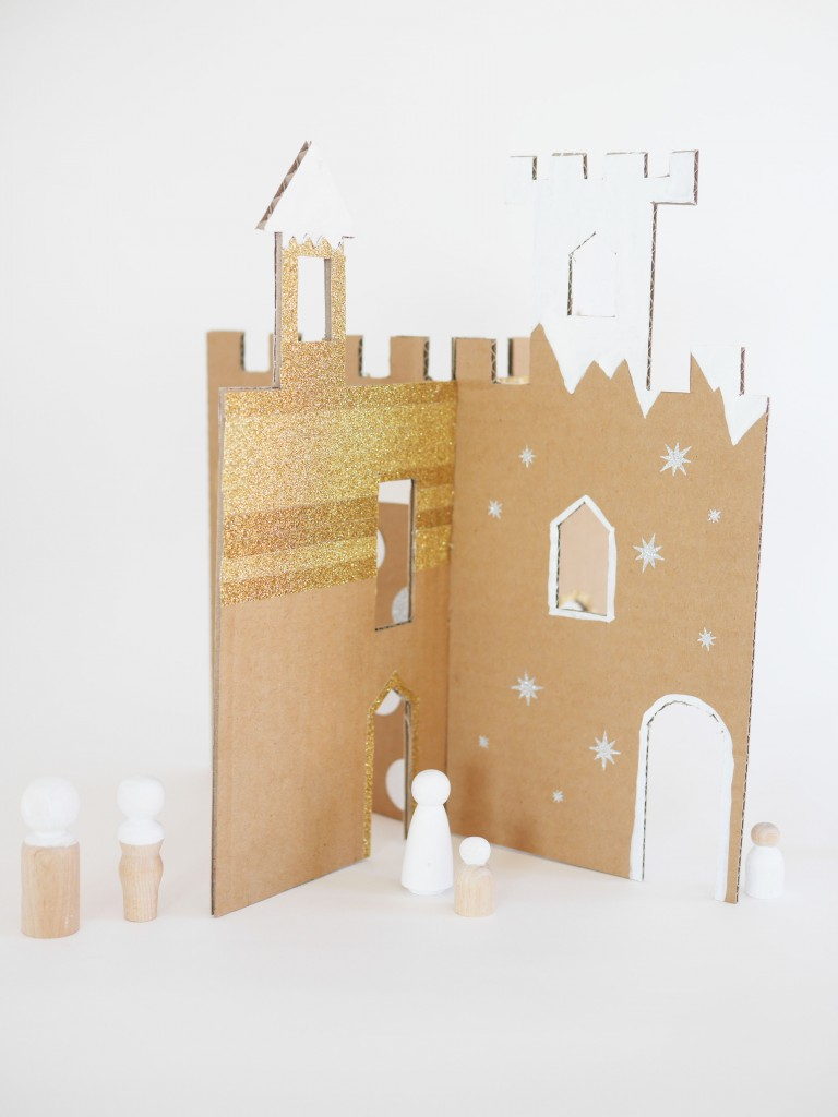 DIY winter cardboard castle by La maison de Loulou-2
