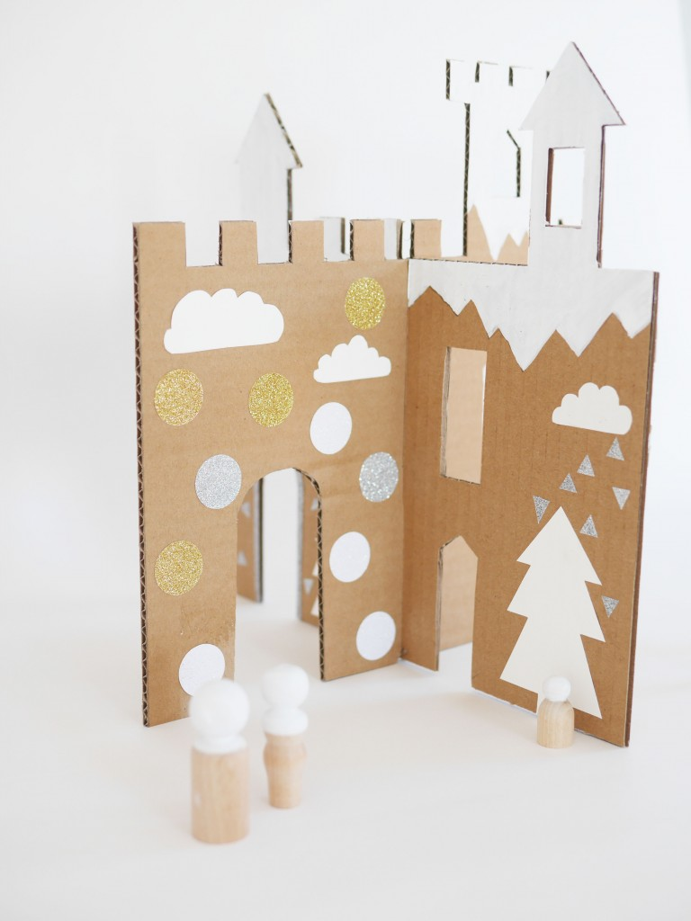 DIY winter cardboard castle by La maison de Loulou-3