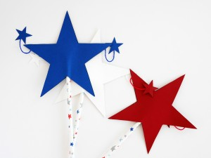 4th of July wand by La maison de Loulou-2