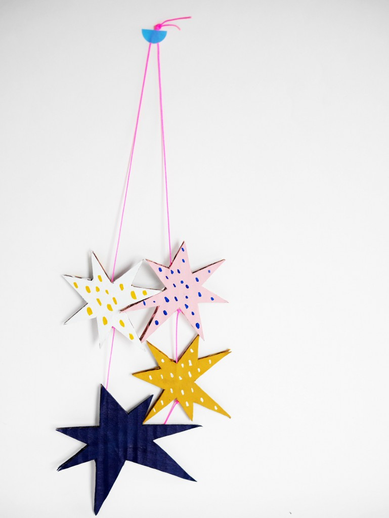 Cardboard stars necklace by La maison de Loulou-2