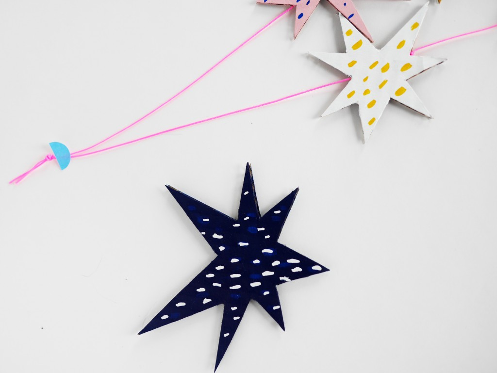 Cardboard stars necklace by La maison de Loulou-4