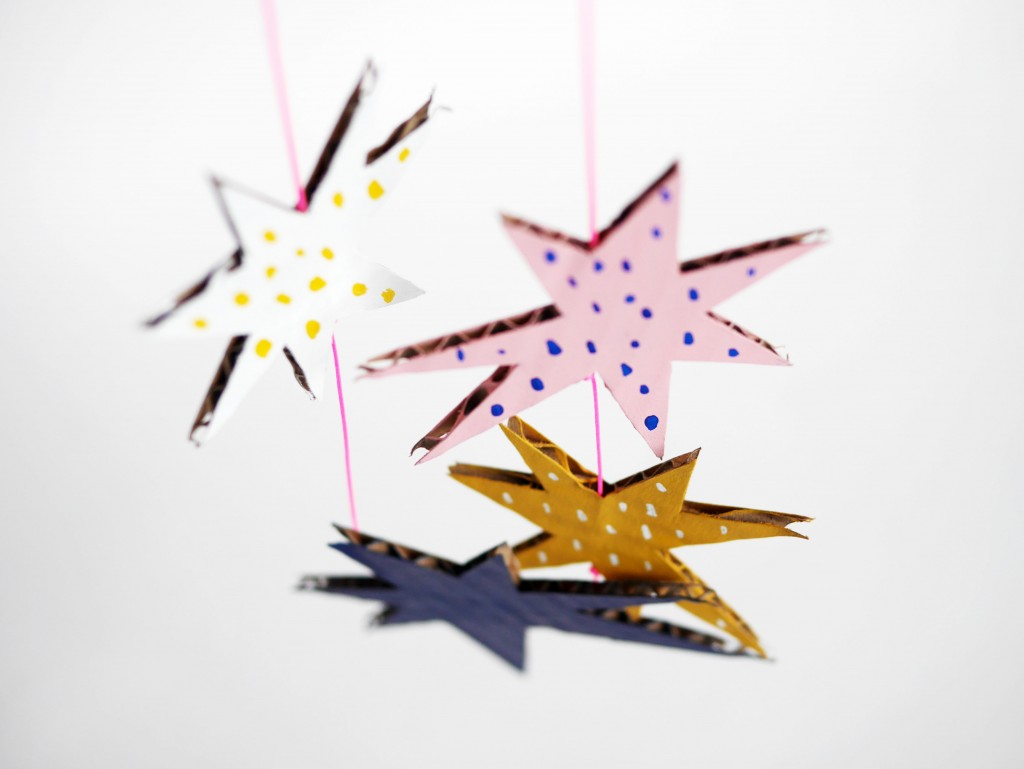 Cardboard stars necklace by La maison de Loulou-7