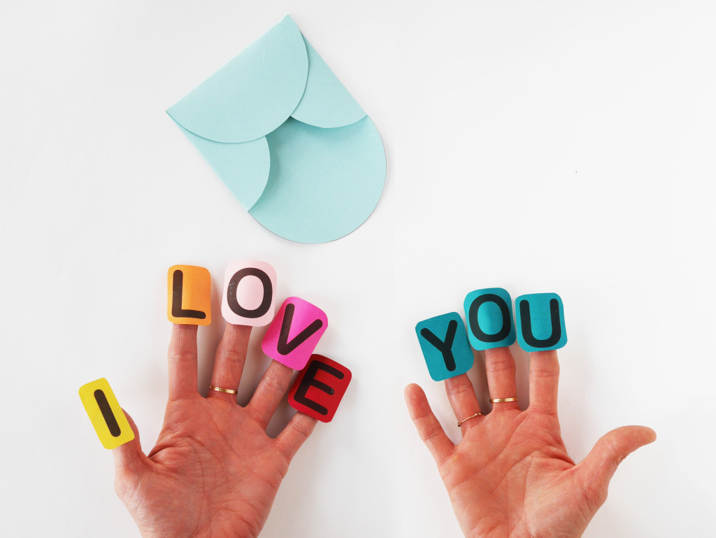 SAY I LOVE YOU WITH A FINGER CRAFT VALENTINE by LA MAISON DE LOULOU